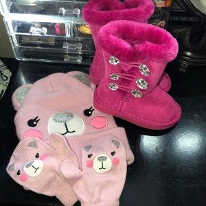 Other - Nwot toddler winter accessories with boots